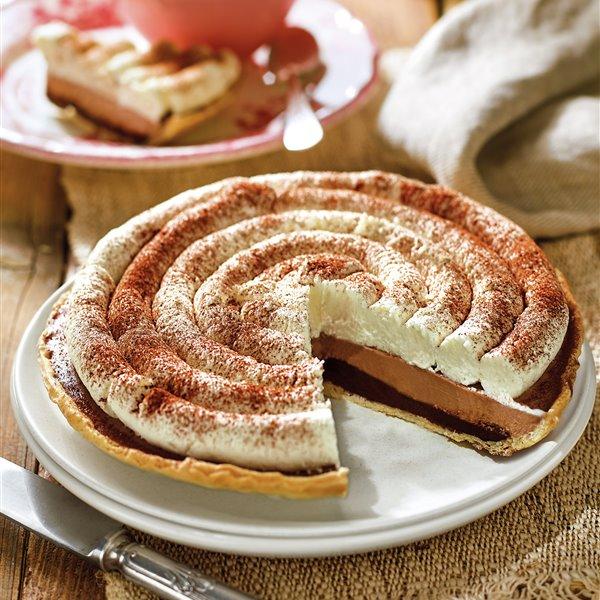 Tarta brisa con nata y dos capas de chocolate