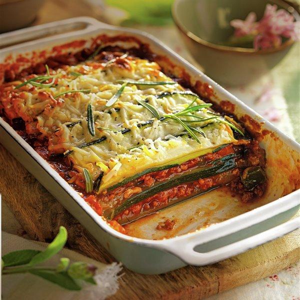 Tarta de calabacín y salsa boloñesa