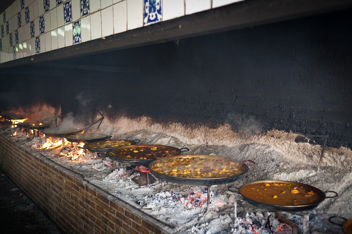 Paella de Valencia a la leña