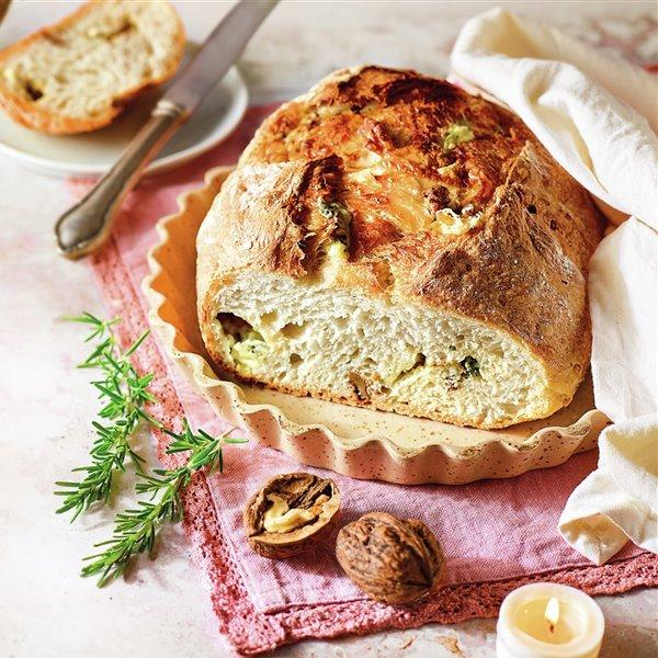 Pan de nueces y roquefort