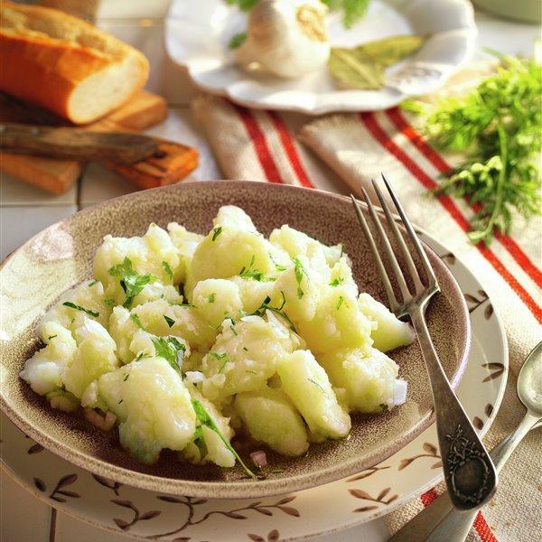Las patatas aliñadas al estilo de El Faro de Cádiz