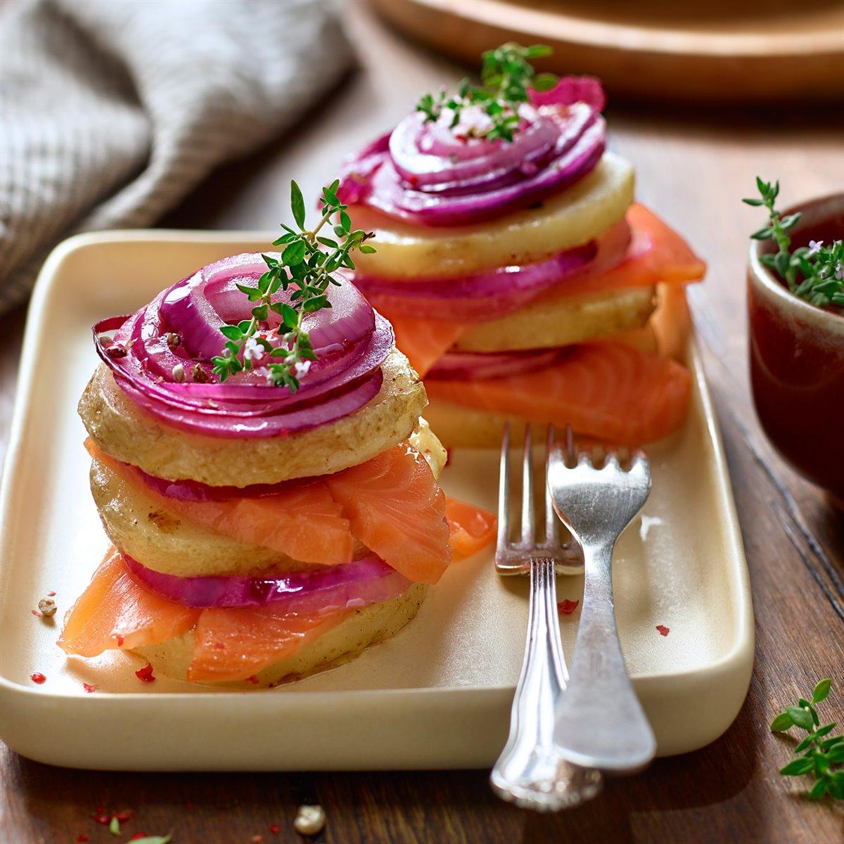 Timbal de patata con salmón