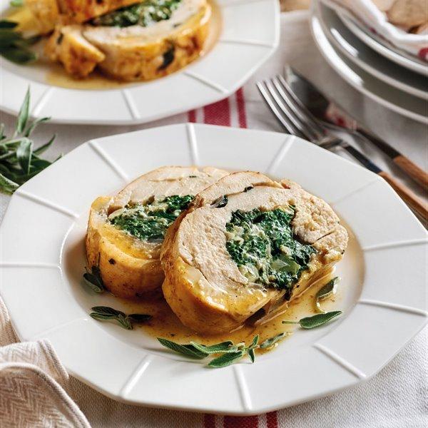 Pollo relleno con queso y espinacas