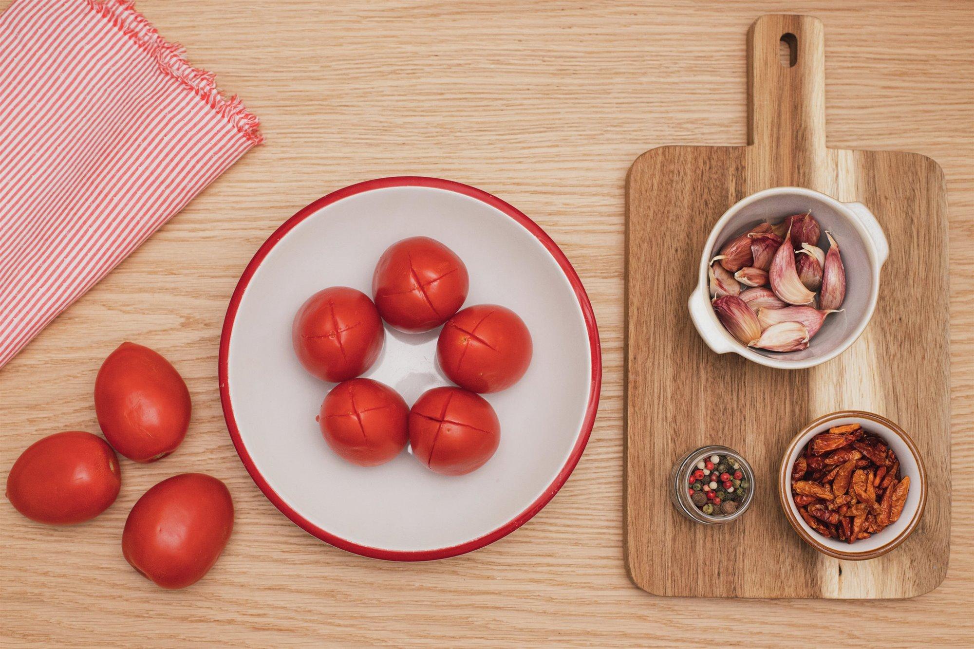 1. Prepara los tomates