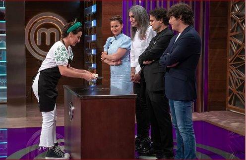 Belén López entrega su pavlova con fresas